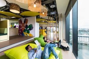 Ambiente de trabalho criativo estilo cowoking e startups
