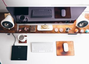 mesa para home office de escritórios e jornalistas