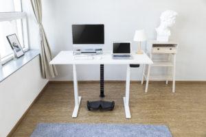 Mesa para escritório SlikDesk High ambientada 3