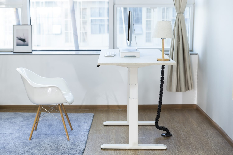 Mesa para escritório Mesa SlikDesk High ambientada 2